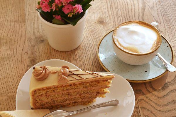 cafe_love_02B63FE421-6030-C549-277E-C9395669434B.jpg